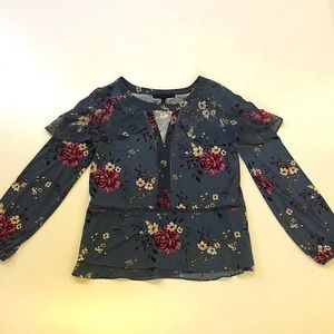 NWT WHBM Floral Scoop Neck Top w/ Cut Out In Front